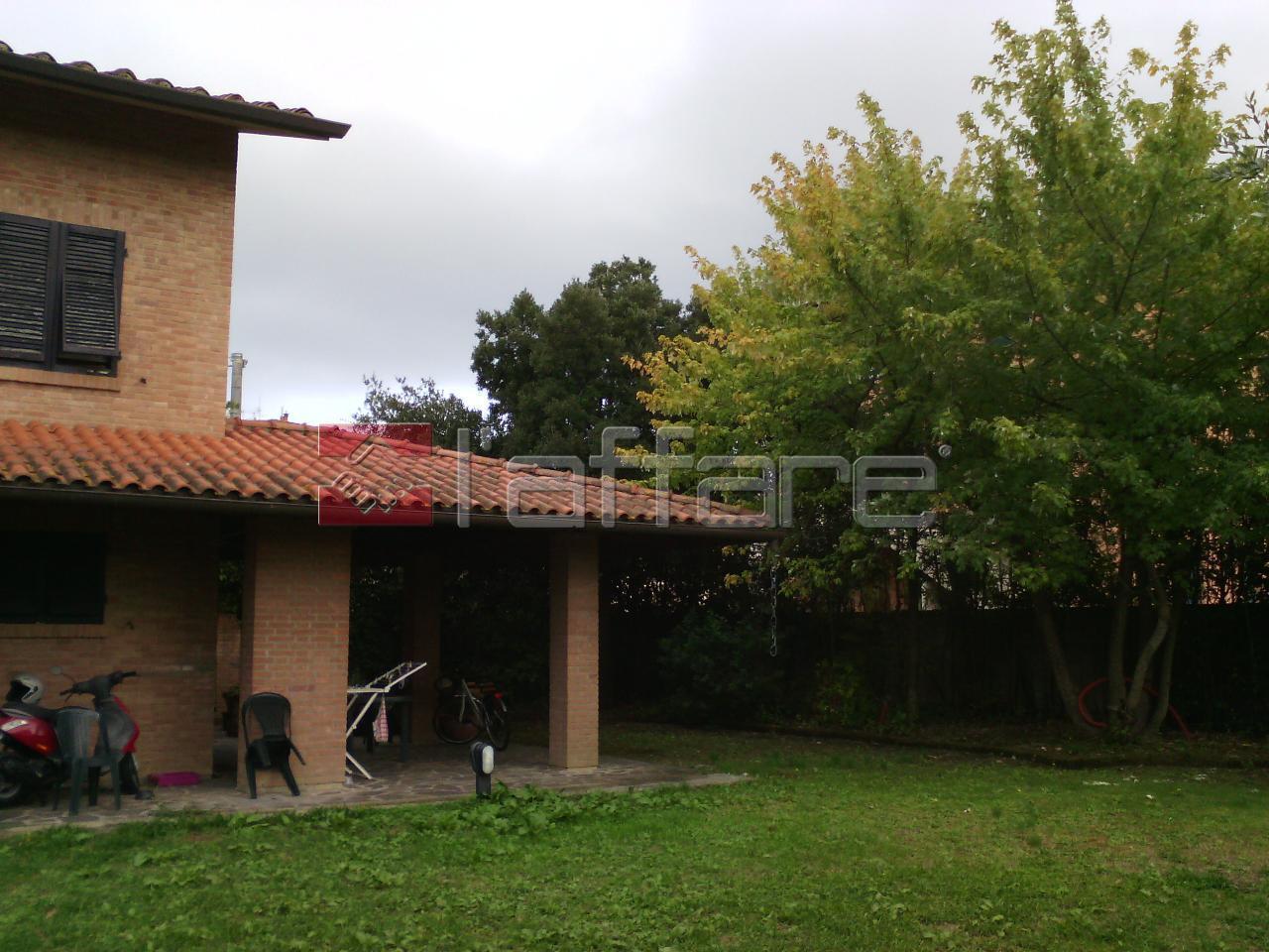 Villa in vendita a Ponsacco, 8 locali, prezzo € 450.000 | Cambio Casa.it