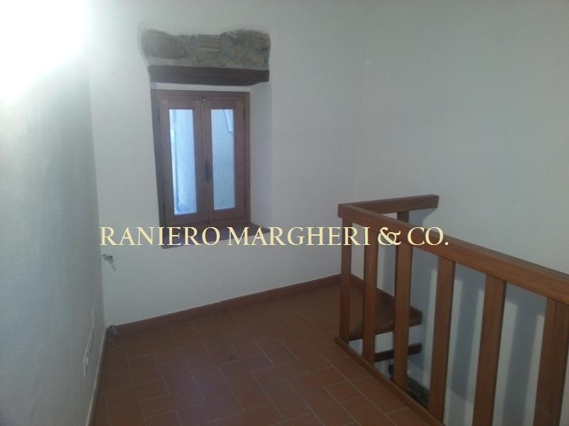 Bilocale Reggello Via San Giovanni Gualberto  29 7