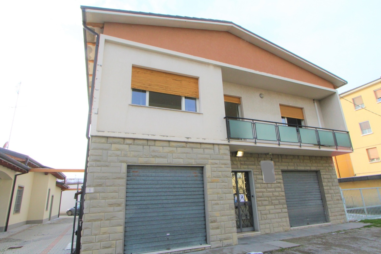 Casa indipendente in vendita a Valsamoggia (BO)