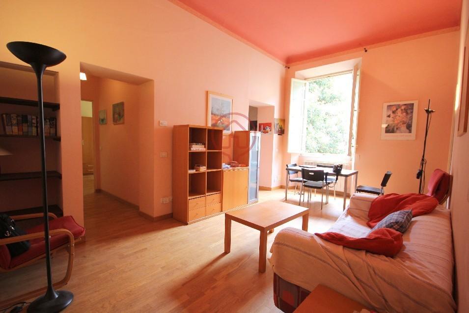 Appartamento in vendita a Lucca, 4 locali, prezzo € 230.000 | Cambio Casa.it