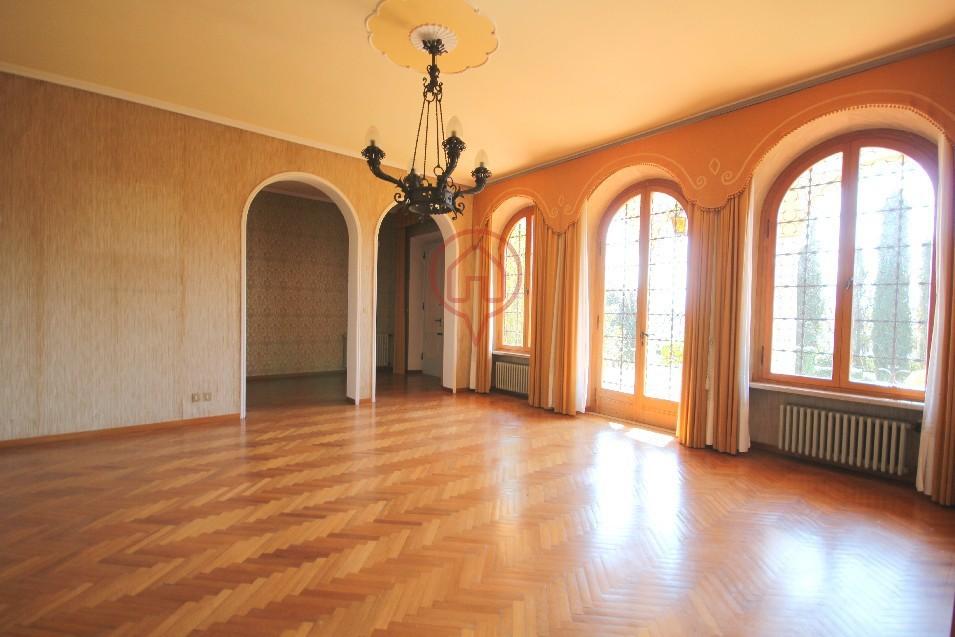 Villa unifamiliare in vendita - 330 mq