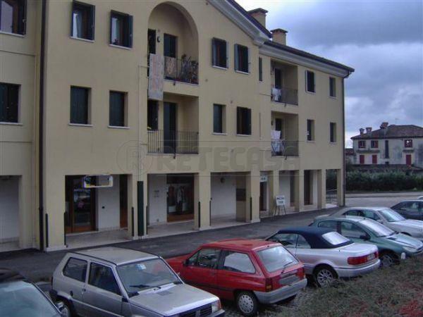 Negozio / Locale in affitto a Castelcucco, 2 locali, prezzo € 390 | Cambio Casa.it