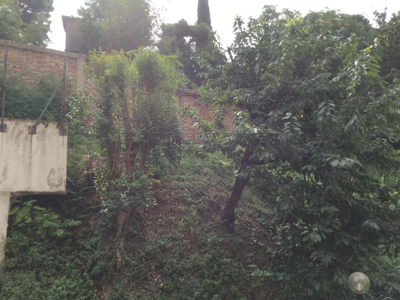 Bilocale Ancona Via Esino 4