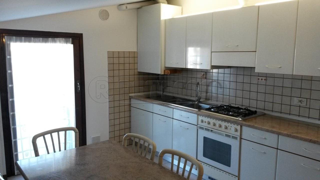 Appartamento in affitto a San Donà di Piave, 3 locali, prezzo € 450 | CambioCasa.it
