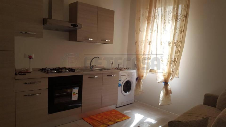 Appartamento in affitto a Nardò, 4 locali, prezzo € 1.000 | Cambio Casa.it
