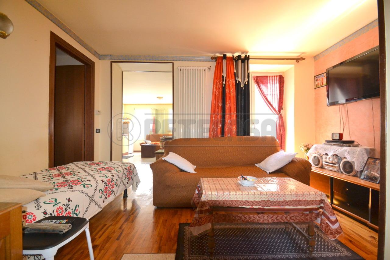 Appartamento in vendita a Valdagno, 6 locali, prezzo € 77.000   Cambio Casa.it