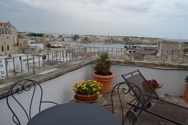 Palazzo / Stabile in Vendita a Otranto