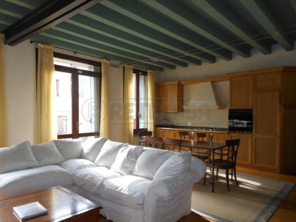 Bilocale in affitto - 100 mq