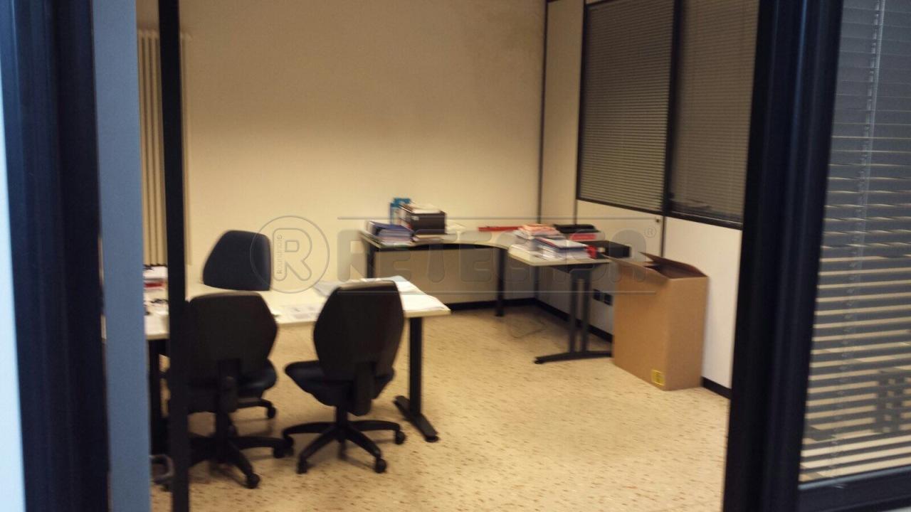 Ufficio / Studio in affitto a Bassano del Grappa, 7 locali, prezzo € 1.200 | Cambio Casa.it