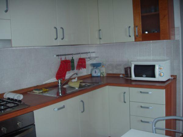 Appartamento trilocale in affitto a Agugliano (AN)