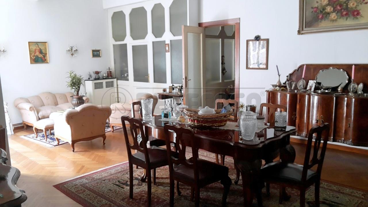 Appartamento in vendita a Mantova, 6 locali, Trattative riservate | Cambio Casa.it