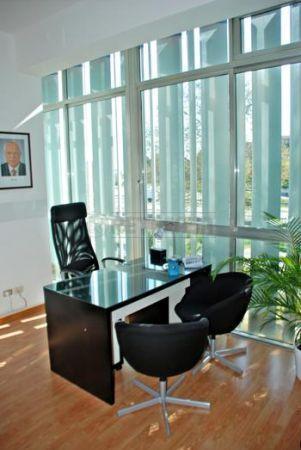 Diviso in ambienti/Locali in affitto a Ancona