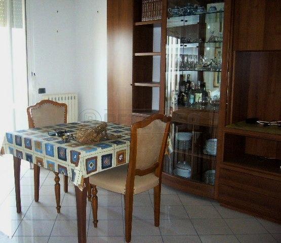 Appartamento in vendita a Gallipoli, 5 locali, prezzo € 134.000 | Cambio Casa.it