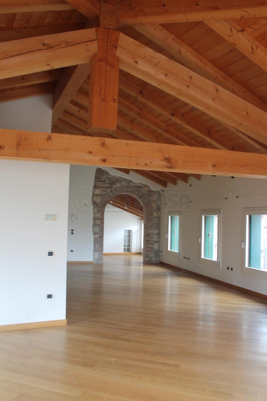 Loft / Openspace in Vendita a Malo