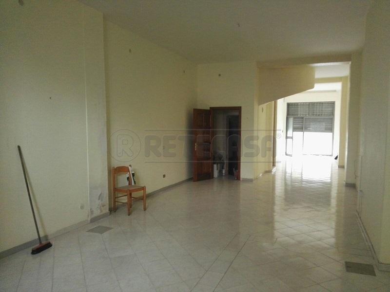 Negozio / Locale in vendita a Mercato San Severino, 1 locali, prezzo € 80.000 | Cambio Casa.it