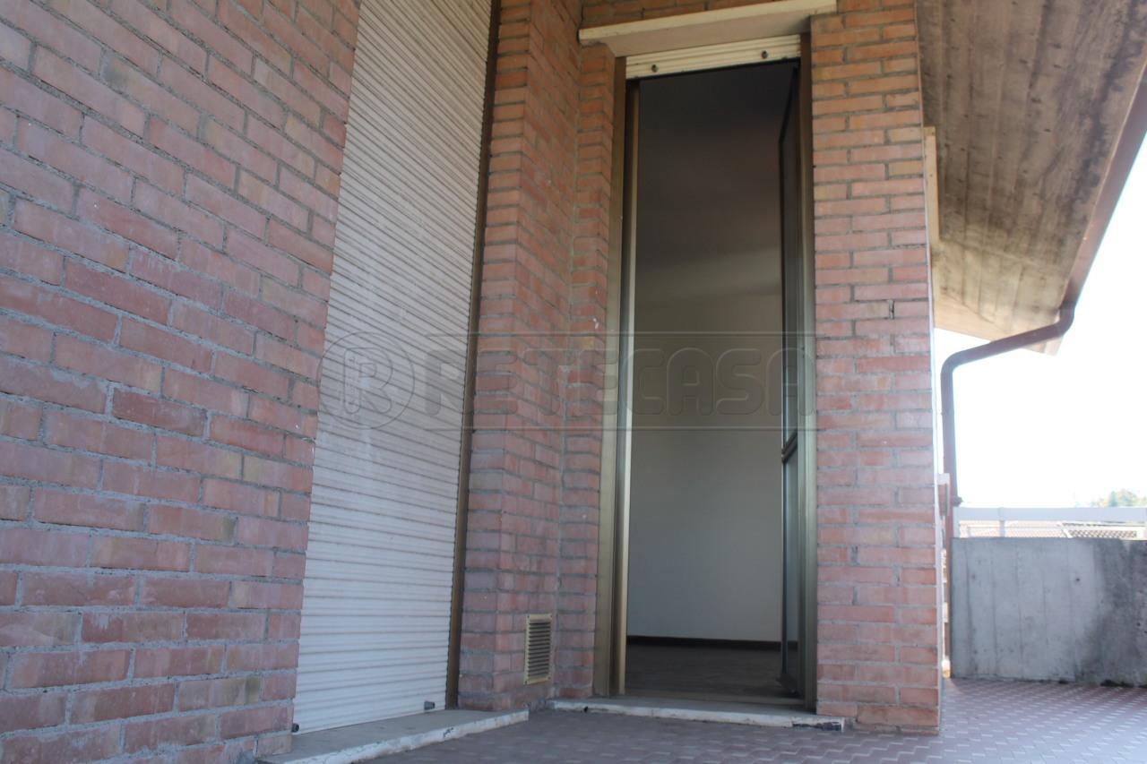Appartamento in vendita a Isola Vicentina, 6 locali, prezzo € 100.000 | Cambio Casa.it