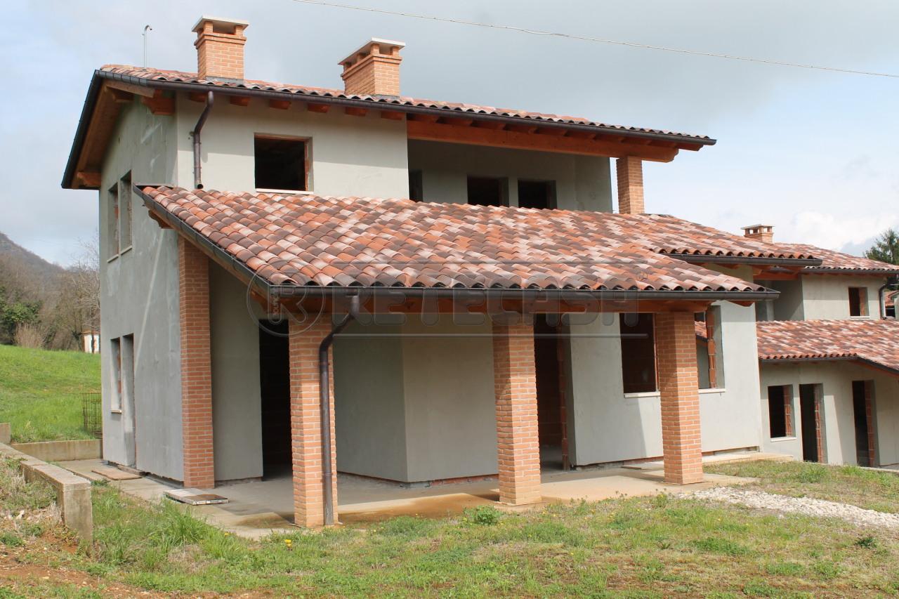 Soluzione Indipendente in vendita a Malo, 12 locali, prezzo € 240.000 | Cambio Casa.it