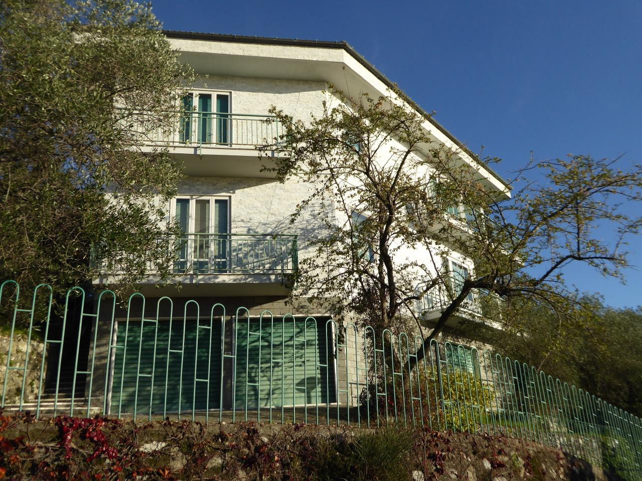 Soluzione Indipendente in vendita a Chiavari, 13 locali, prezzo € 700.000 | CambioCasa.it