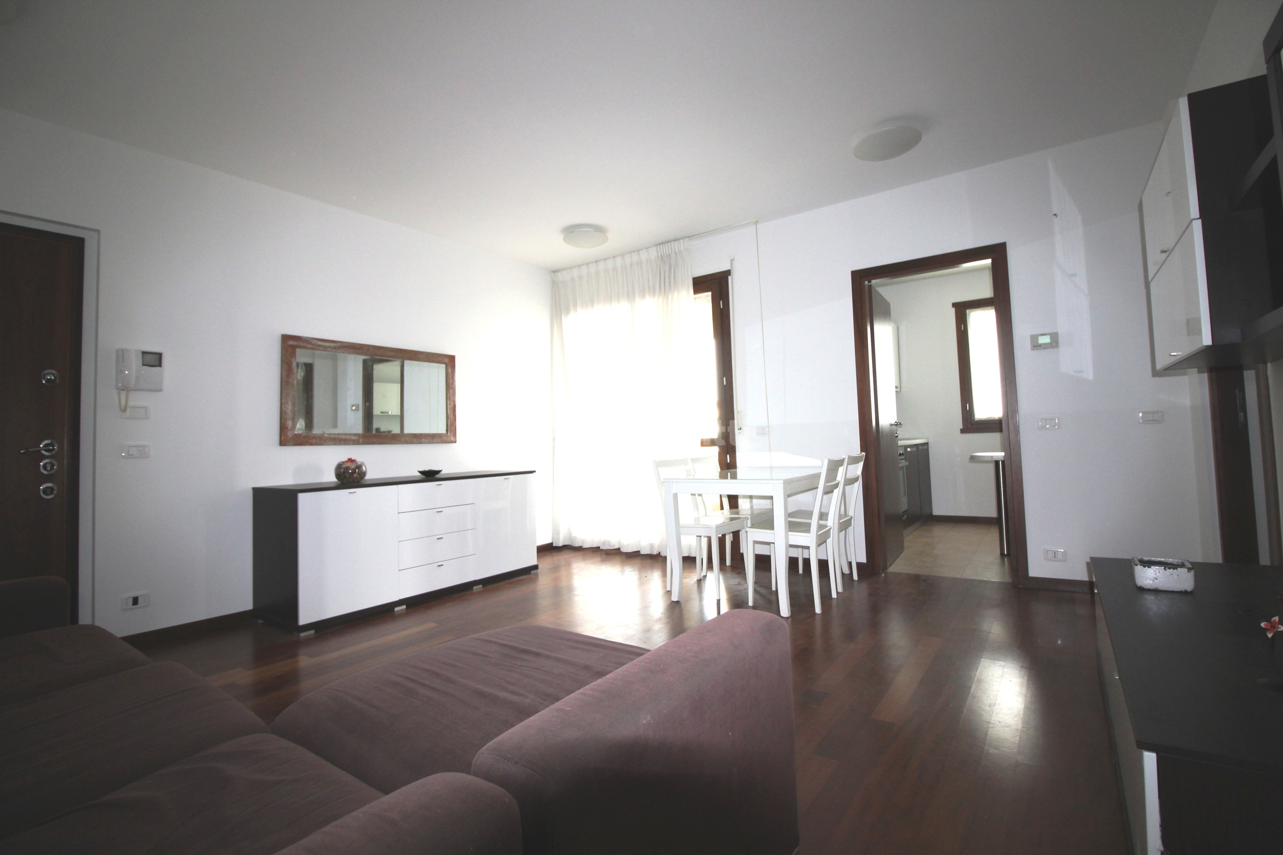 Affitto appartamento trilocale arredato 95 mq for Appartamento arredato