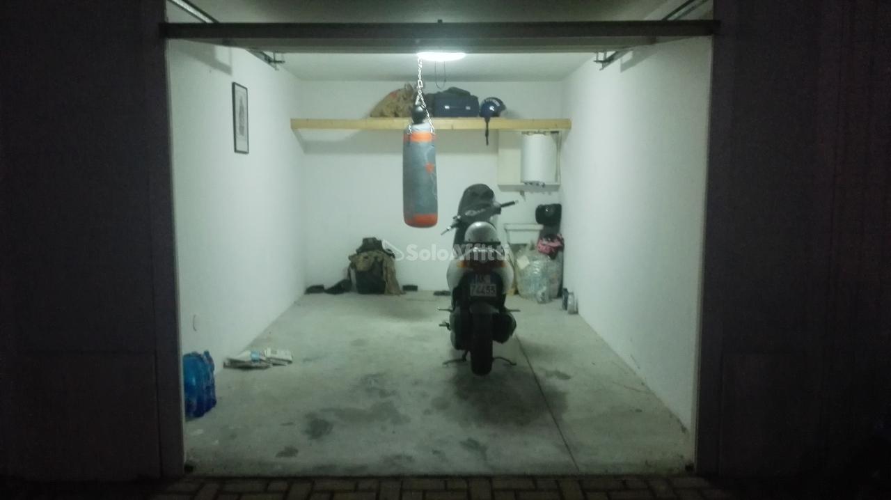 Box / Garage in affitto a Montesilvano, 1 locali, prezzo € 100 | Cambio Casa.it