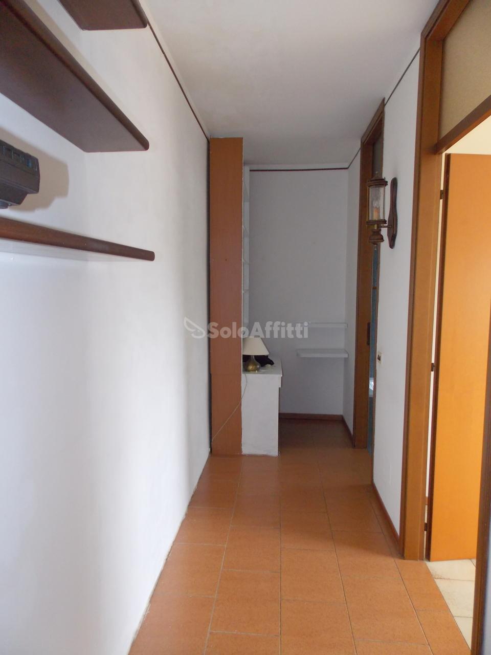 Bilocale Novara Via Laurana  8 5