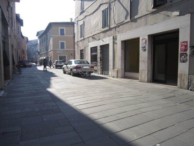 Appartamento bilocale in affitto a foligno pg zona for Affitto appartamento arredato foligno