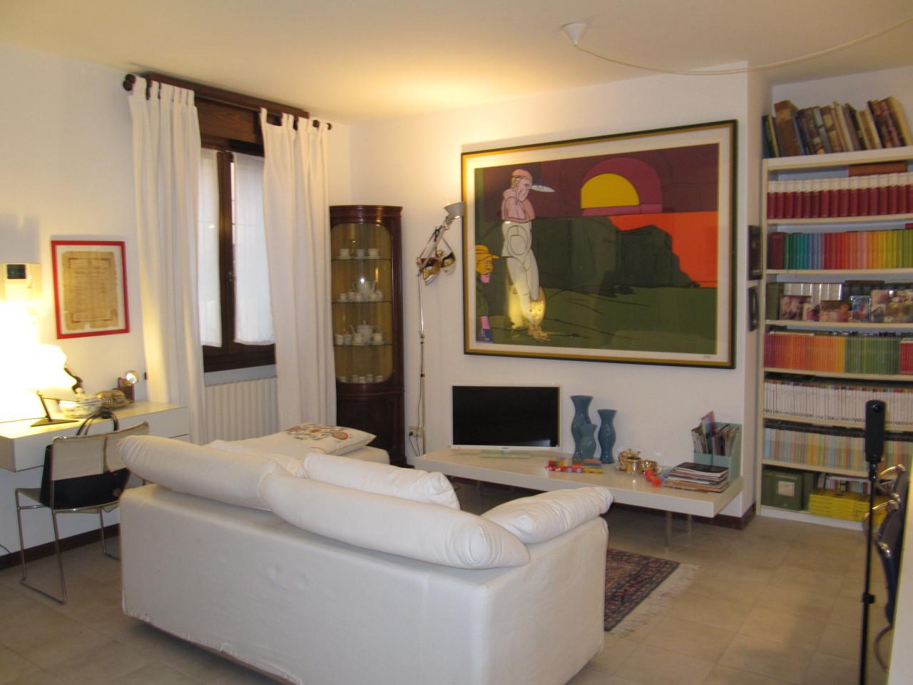 Appartamento in vendita a Parma, 3 locali, prezzo € 160.000 | Cambio Casa.it