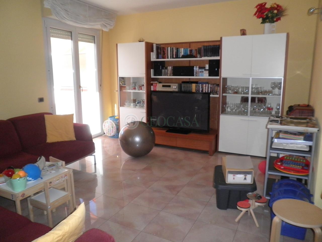 Appartamento in vendita a Vezzano Ligure, 5 locali, prezzo € 190.000 | CambioCasa.it
