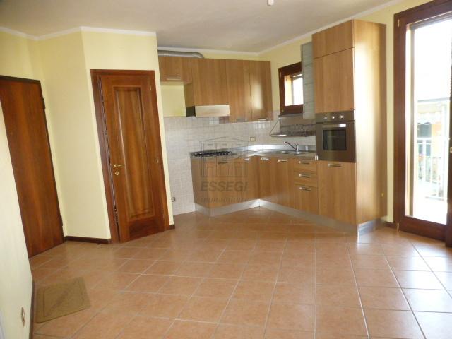 Appartamento in vendita a Lucca, 2 locali, prezzo € 105.000   Cambio Casa.it