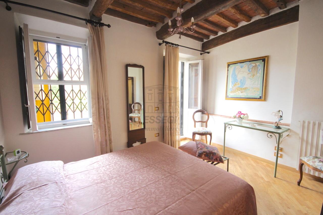 Appartamento Lucca Centro storico IA03309 img 15