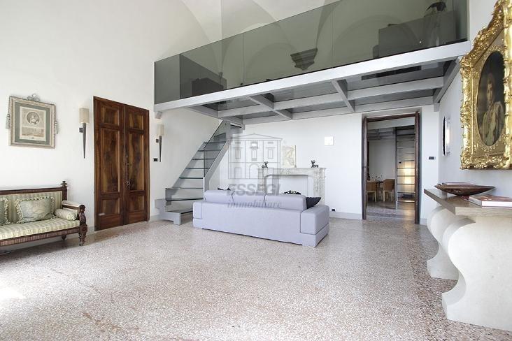Prestigioso appartamento in Villa Guinigi img 2