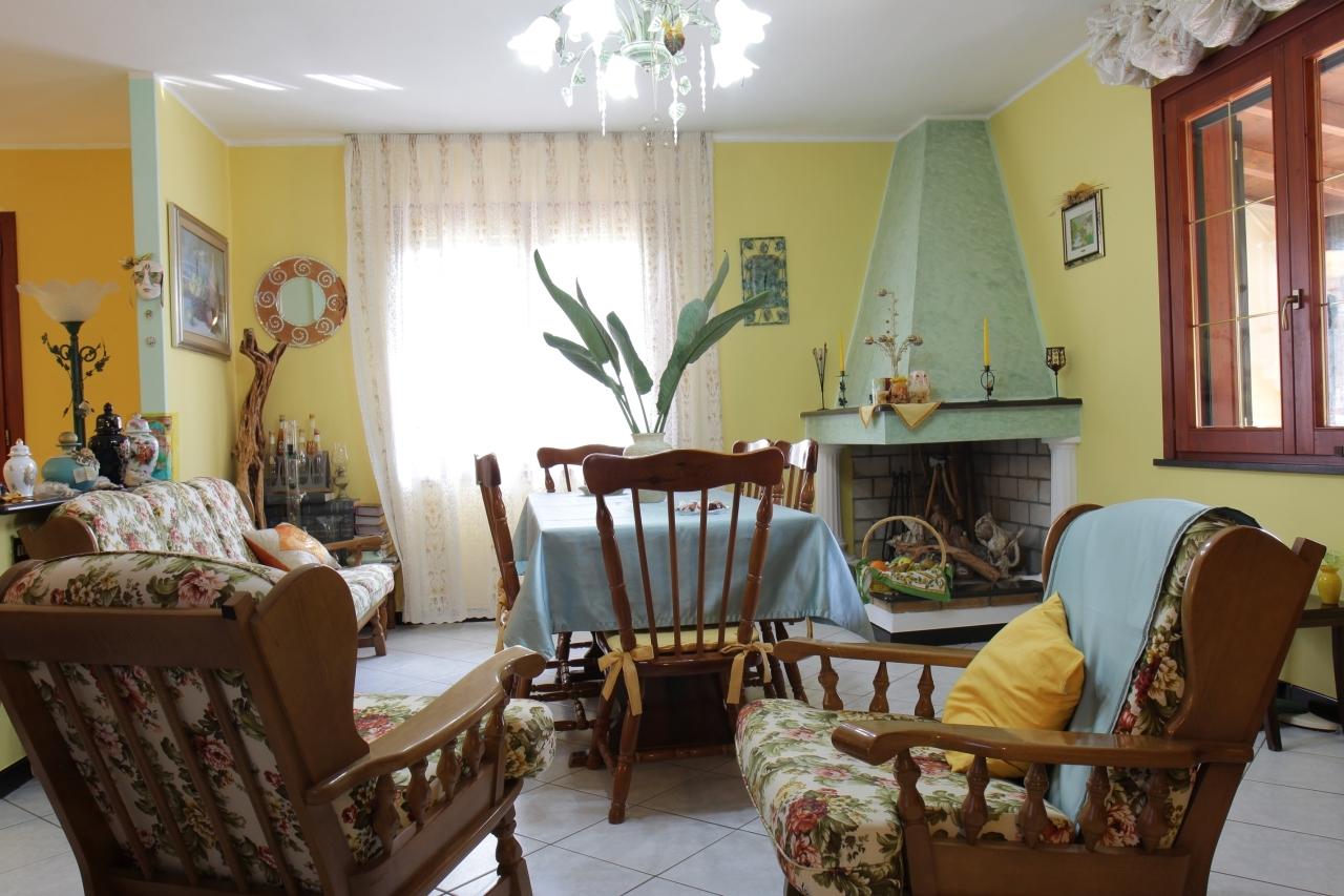 Villa in vendita a Assemini, 4 locali, prezzo € 169.000 | Cambio Casa.it