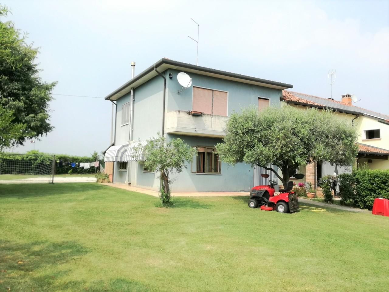 Soluzione Indipendente in vendita a Vedelago, 4 locali, prezzo € 120.000 | Cambio Casa.it