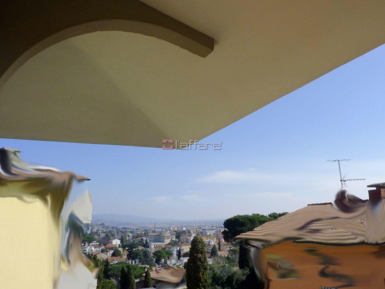 Villa singola a Montecatini-Terme (1/5)