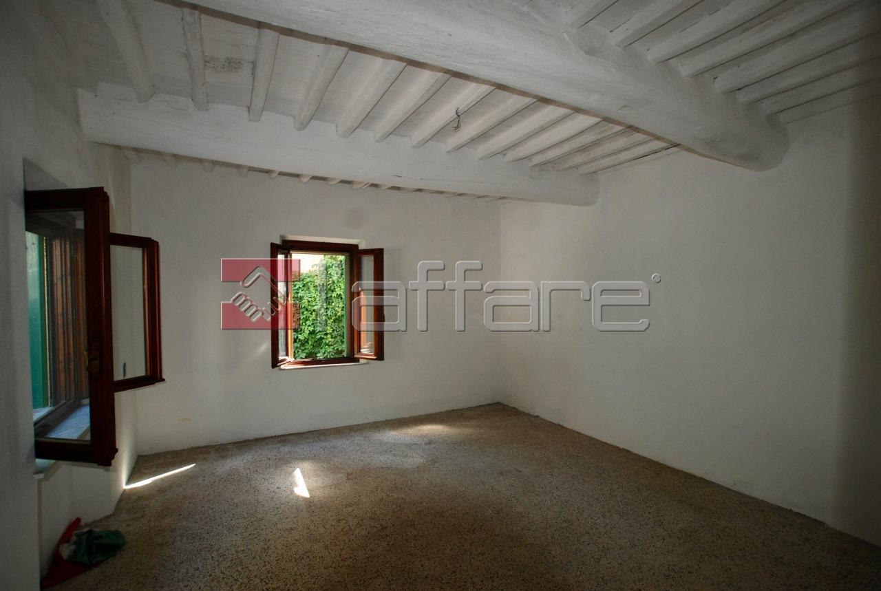 Soluzione Indipendente in vendita a Crespina Lorenzana, 6 locali, prezzo € 155.000 | CambioCasa.it