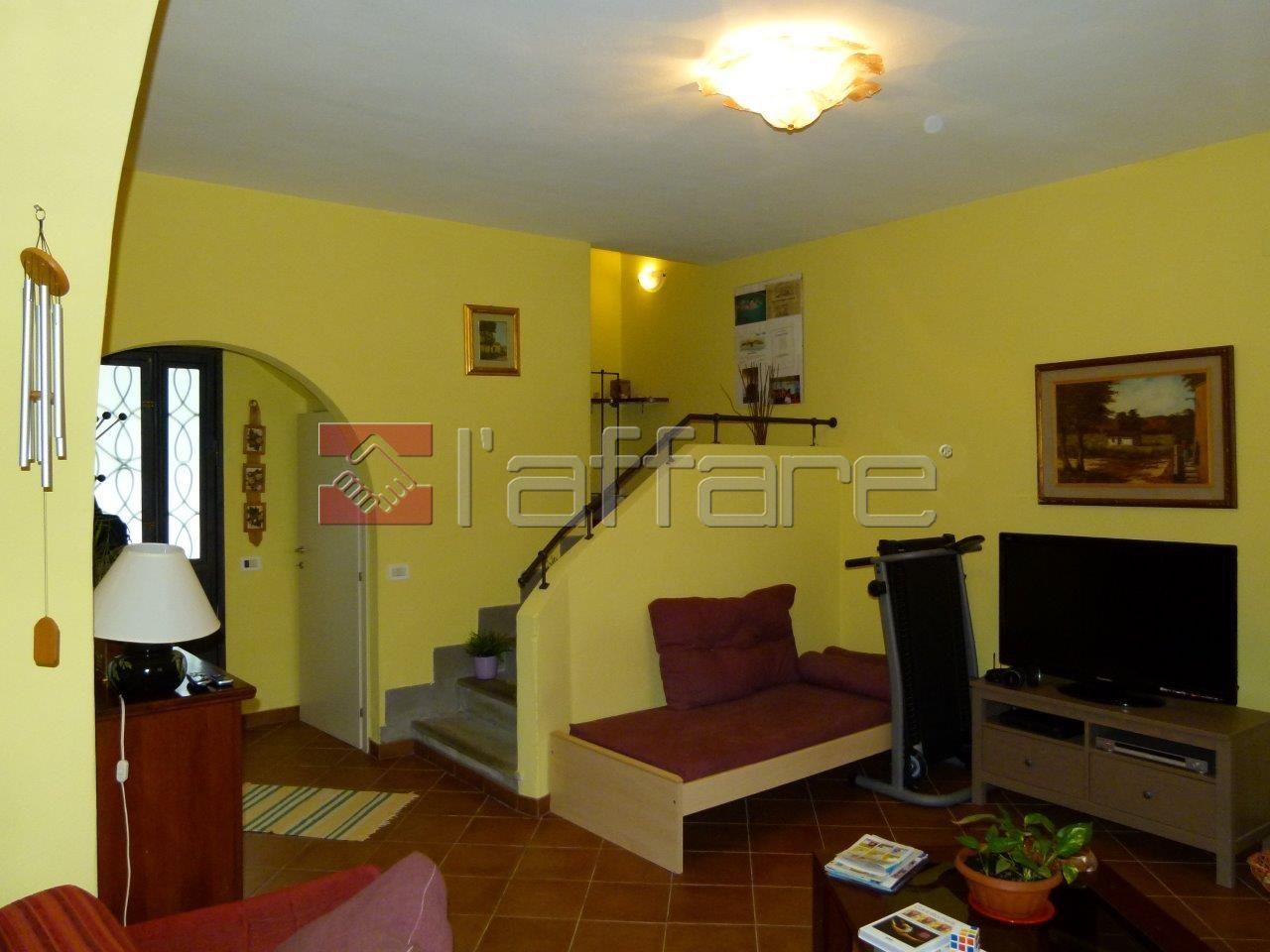Rustico / Casale in vendita a Crespina Lorenzana, 6 locali, prezzo € 310.000 | Cambio Casa.it