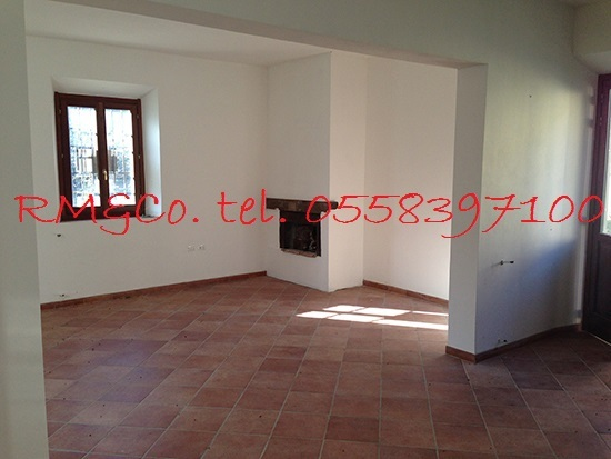 Rustico / Casale in vendita a Rufina, 5 locali, prezzo € 185.000   Cambio Casa.it