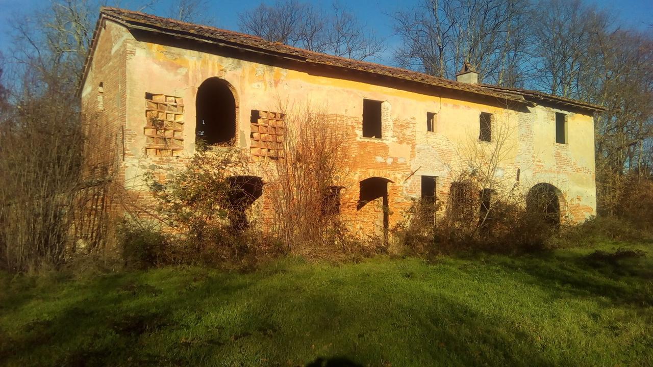 Rustico / Casale in vendita a Fucecchio, 12 locali, prezzo € 350.000 | CambioCasa.it