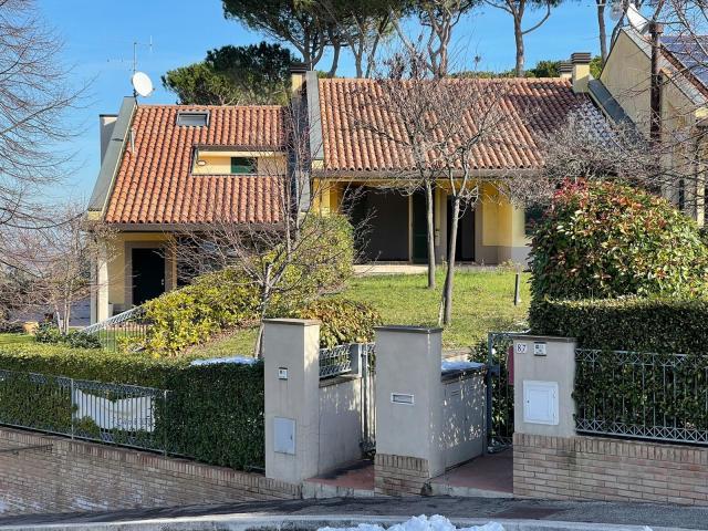Vai alla scheda: Villa a schiera Vendita - Montiano (FC) - Codice -3370