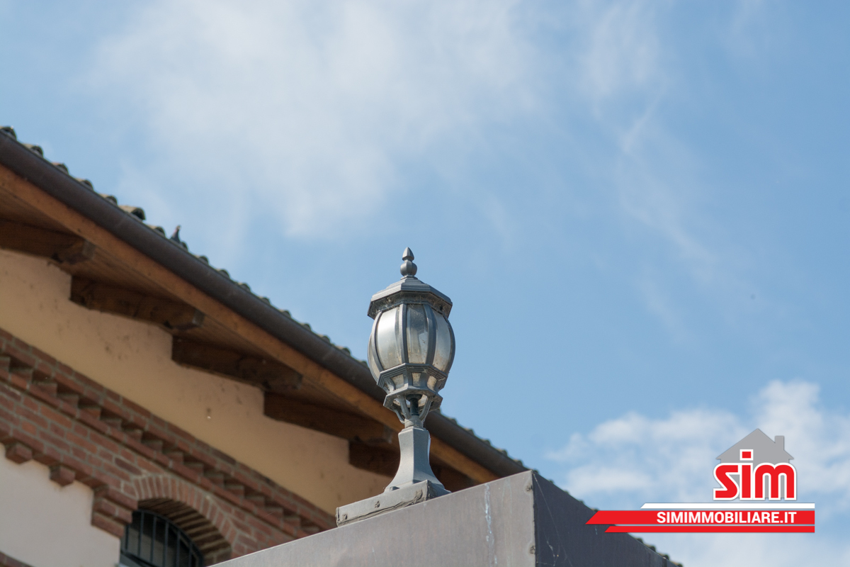 Bilocale Novara Via Valsesia Sn 13
