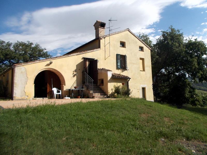 Rustico / Casale in vendita a San Severino Marche, 8 locali, prezzo € 184.000 | Cambio Casa.it