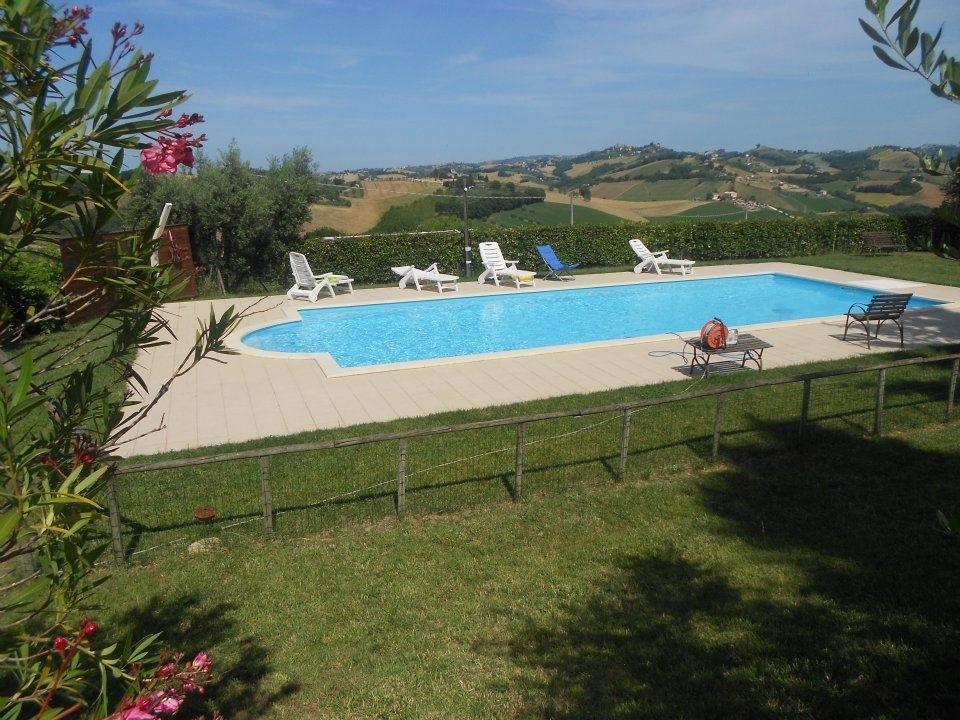 Agriturismo in vendita a Montottone, 10 locali, prezzo € 450.000 | Cambio Casa.it