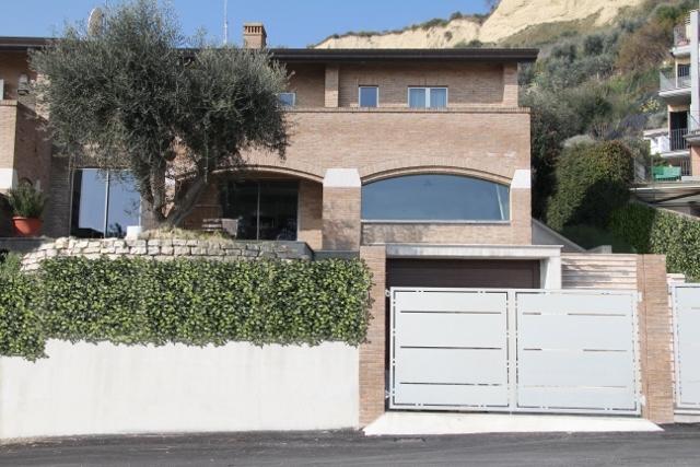 Soluzione Indipendente in vendita a San Benedetto del Tronto, 9 locali, prezzo € 695.000   Cambio Casa.it