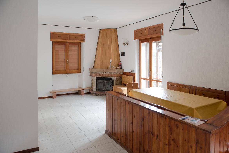 Appartamento in vendita a San Fele, 5 locali, prezzo € 75.000 | CambioCasa.it