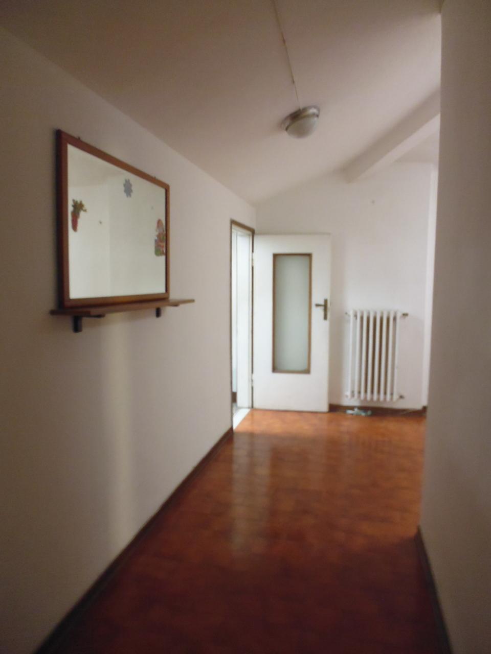 Appartamento in affitto a Livorno, 4 locali, prezzo € 600 | Cambio Casa.it
