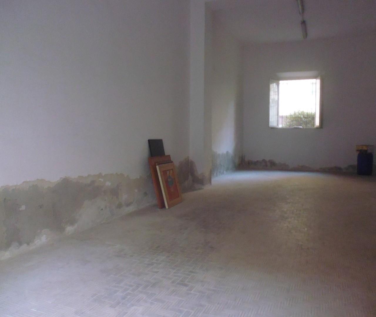 Capannone in vendita a Livorno, 2 locali, prezzo € 60.000 | Cambio Casa.it