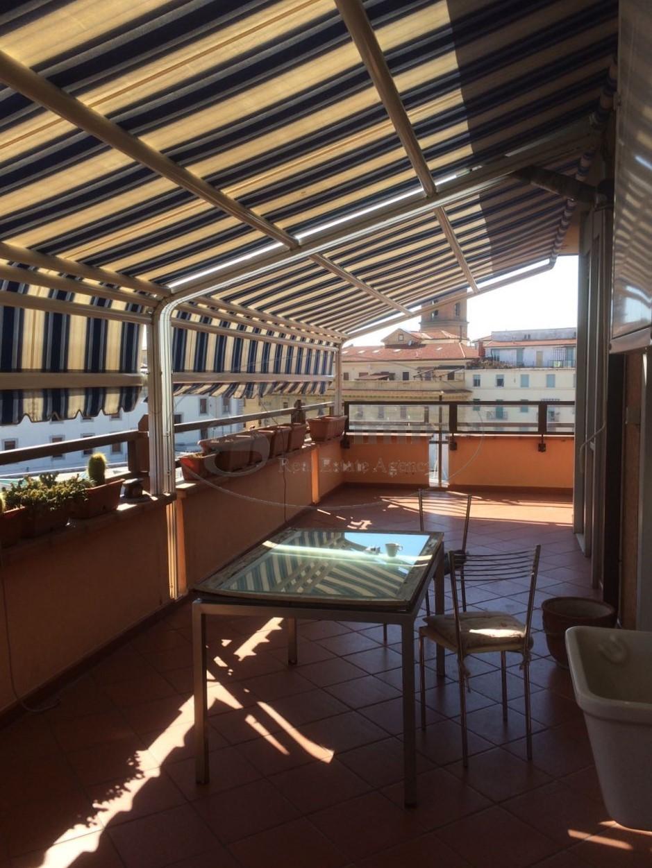 Appartamento in vendita a Livorno, 5 locali, prezzo € 223.000 | CambioCasa.it