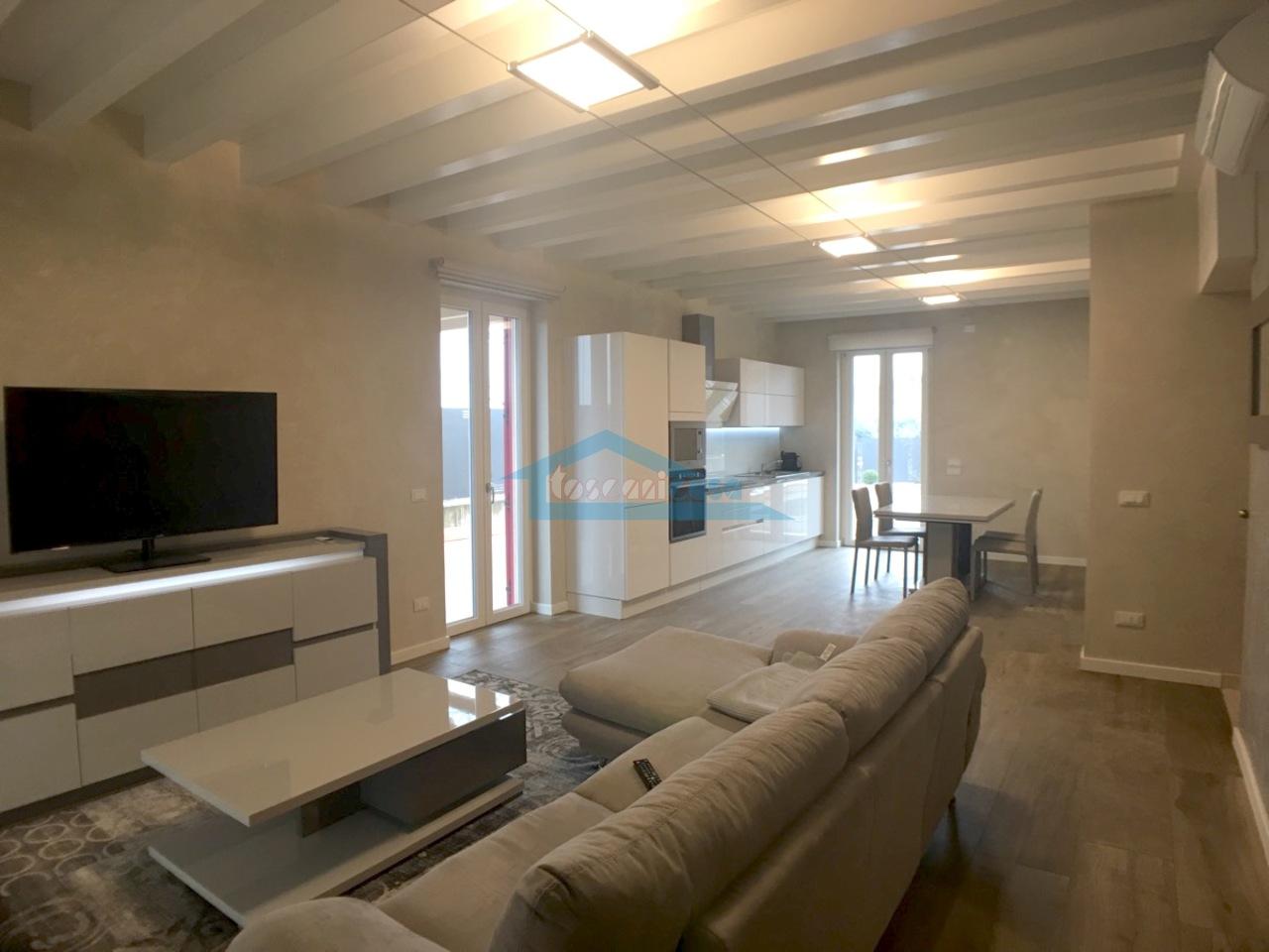 Villa bifamiliare  a Corte Franca