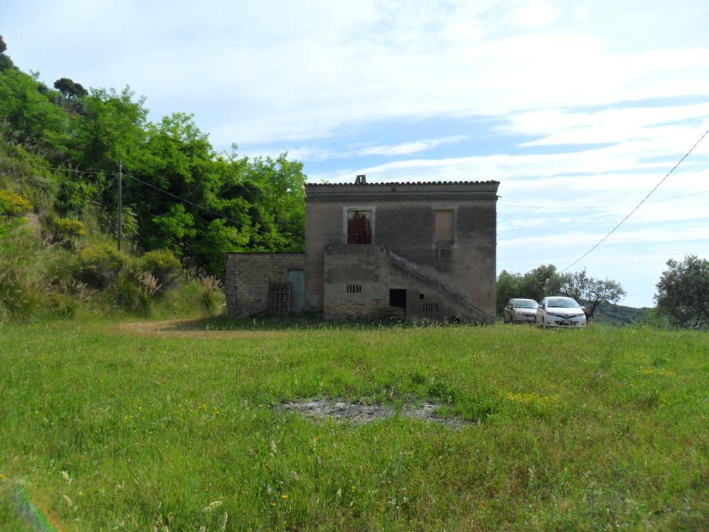 Rustico / Casale in vendita a Ripatransone, 8 locali, prezzo € 178.000   Cambio Casa.it