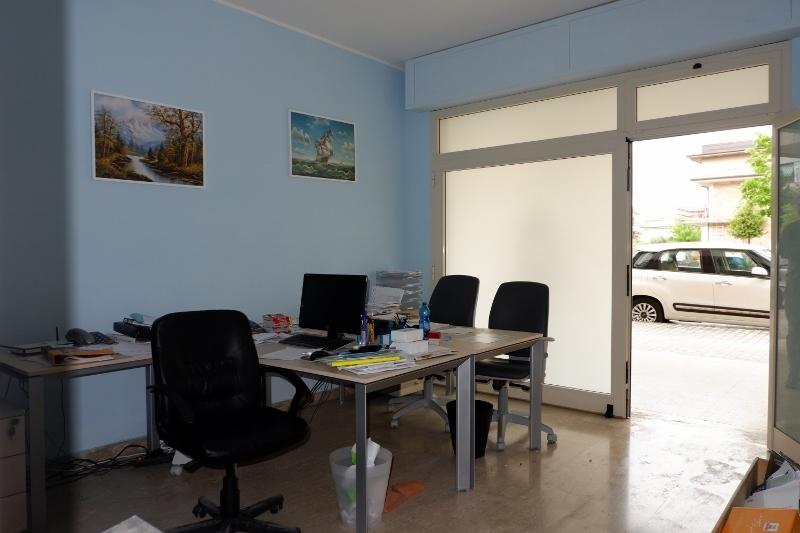 Negozio / Locale in vendita a Martinsicuro, 2 locali, prezzo € 40.000 | Cambio Casa.it